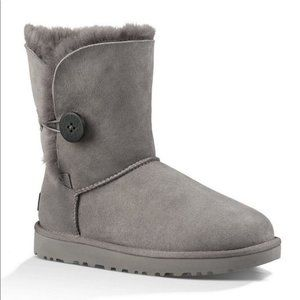 UGG Gray Short Bailey Boots Size 11